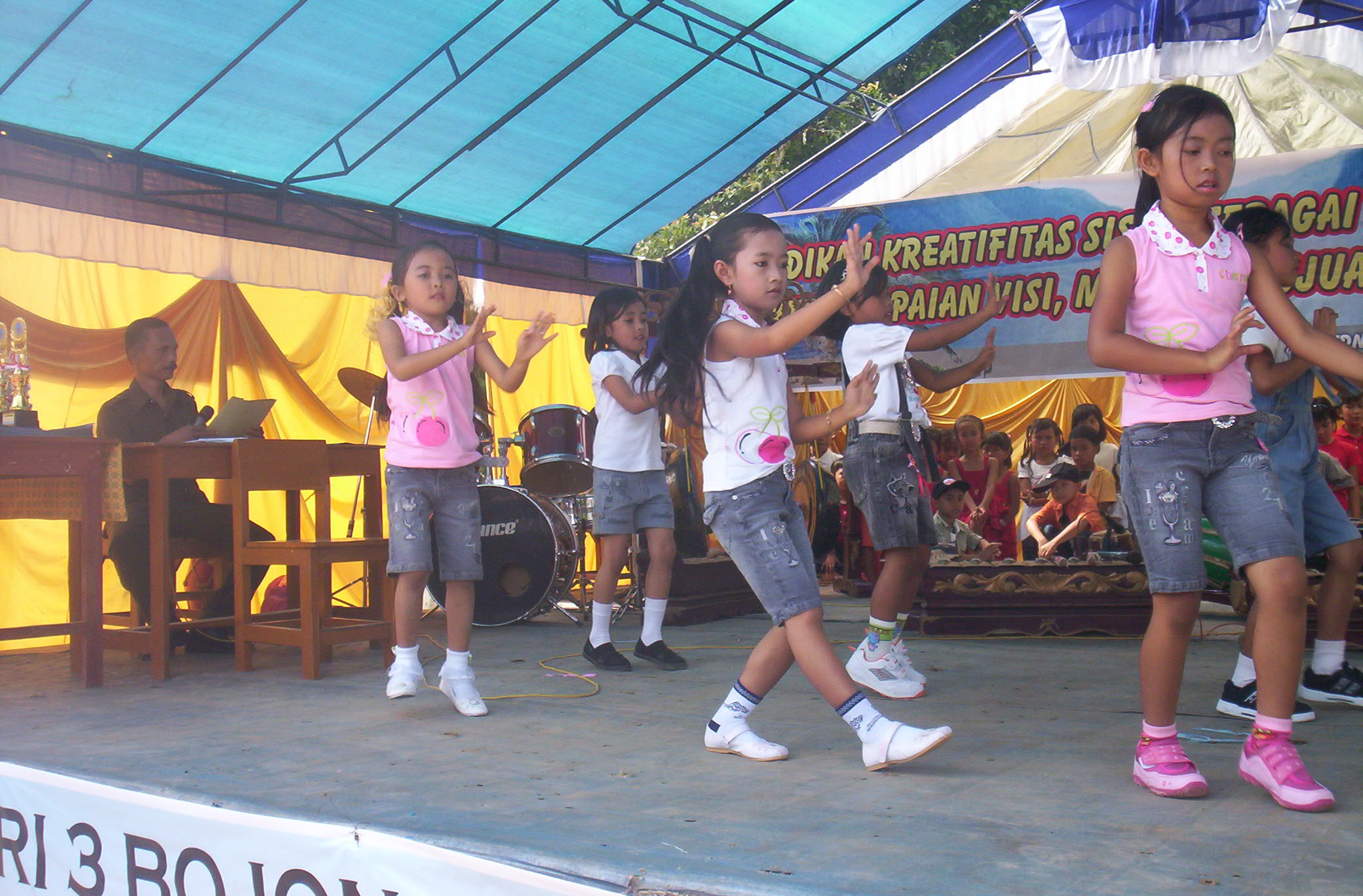Perpisahan Dan Kenaikan Kelas Tahun 2008 2009 Sdn 3 Bojonglopang S Weblog